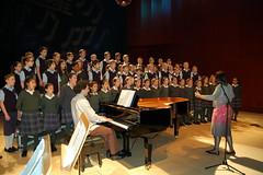 Compartiendo escenario con Los Chicos del Coro