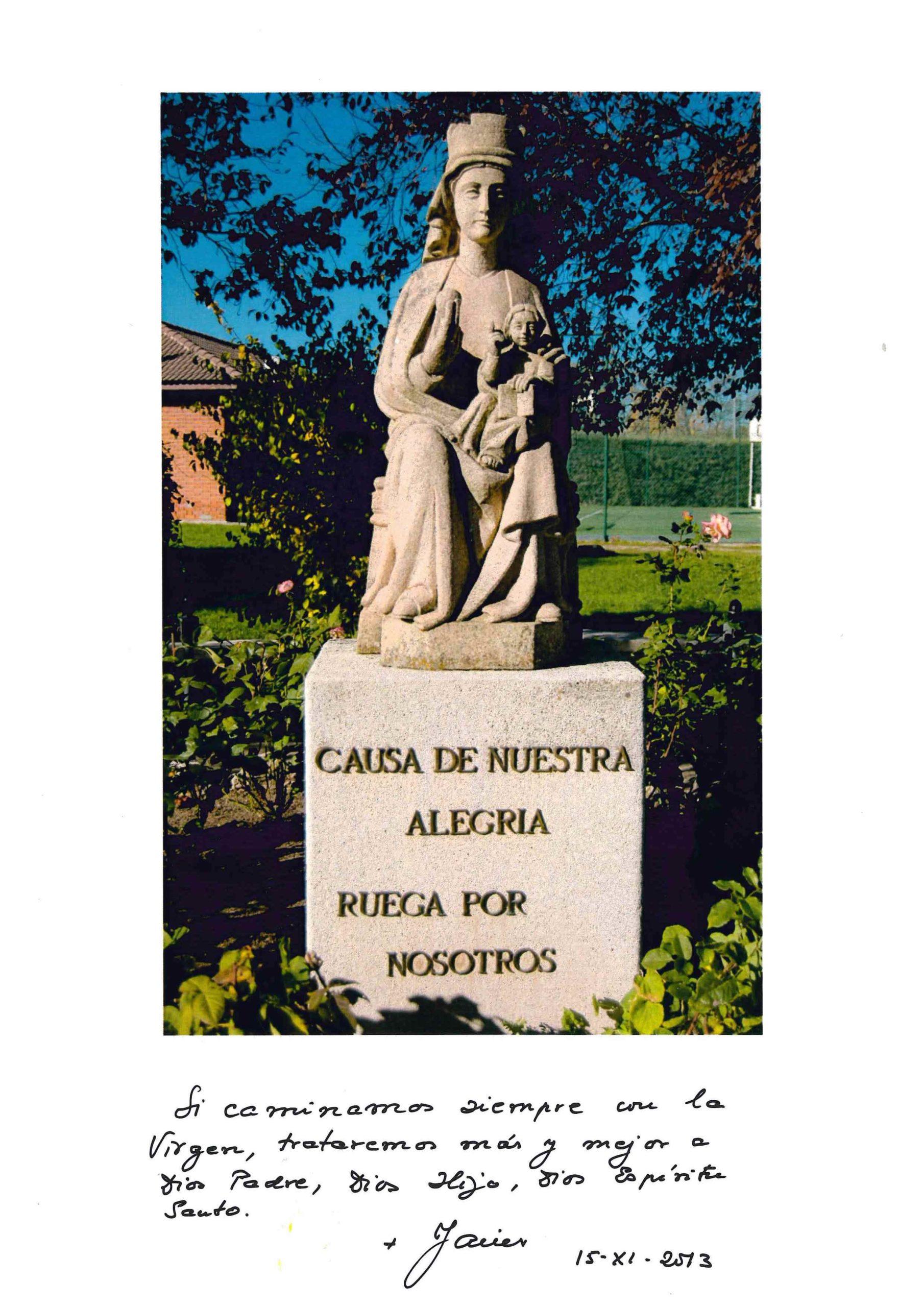 Estampa de la Virgen de Orvalle, firmada por el Prelado del Opus Dei en 2013.