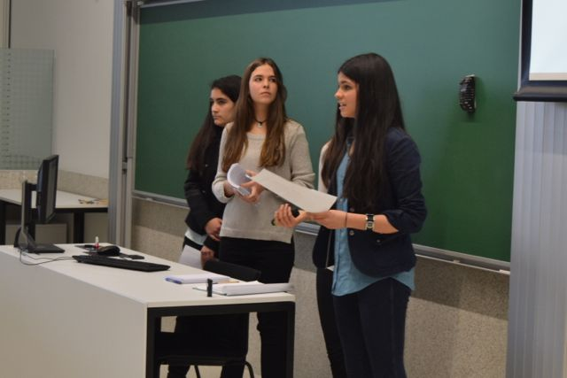 Alumnas del excellence defienden trabajos de invesigacion