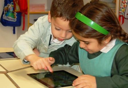 Orvalle fusiona las nuevas tecnologías y el bilingüismo