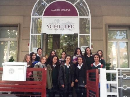 Orvalle visita la Schiller international University