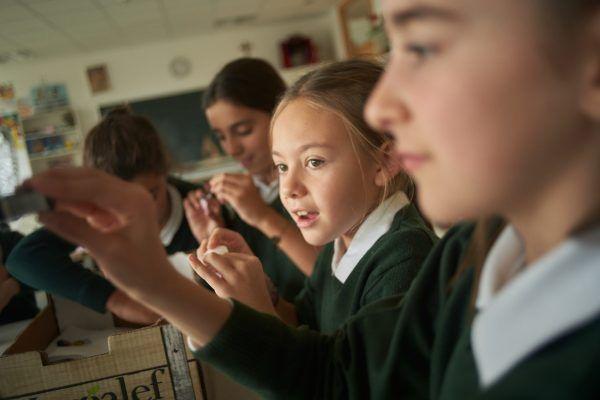 Alumnas en clase de música en Orvalle